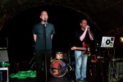 10-kunstfehler-live-musik-konzert-duo-band-show-bad-kreuznach-ajk-laptop-gitarre-eine-millionen-gegen-rechts