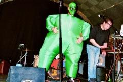 11-kunstfehler-live-musik-konzert-duo-band-show-bad-kreuznach-ajk-alien-punkrap-eine-millionen-gegen-rechts