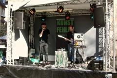 13-kunstfehler-live-musik-konzert-duo-band-show-koblenz-liebfrauenkirche-buehne-laptop-gitarre-punkrap