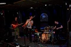 4-kunstfehler-live-musik-konzert-strom-und-wasser-circus-maximus-koblenz-eine-millionen-gegen-rechts-band-schlagzeug-gitarre-heinz-ratz