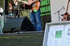 IMG_8337-kunstfehler-musik-live-westerwood-festival-open-air-heimborn-nister-altenkirchen-50-jahre-woodstock-punkrap-musiker-band-koblenz-buehne-festivalsommer-2019