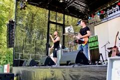 IMG_8344-kunstfehler-musik-live-westerwood-festival-open-air-heimborn-nister-altenkirchen-50-jahre-woodstock-punkrap-musiker-band-koblenz-buehne-festivalsommer-2019