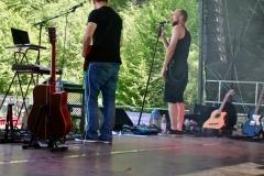 IMG_8355-kunstfehler-musik-live-westerwood-festival-open-air-heimborn-nister-altenkirchen-50-jahre-woodstock-punkrap-musiker-band-koblenz-buehne-festivalsommer-2019