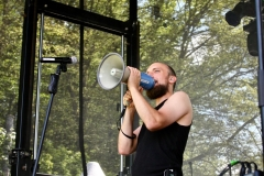 IMG_8370-kunstfehler-musik-live-westerwood-festival-open-air-heimborn-nister-altenkirchen-50-jahre-woodstock-punkrap-musiker-band-koblenz-buehne-festivalsommer-2019