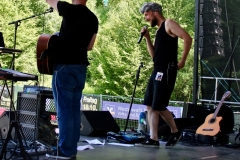 IMG_8378-kunstfehler-musik-live-westerwood-festival-open-air-heimborn-nister-altenkirchen-50-jahre-woodstock-punkrap-musiker-band-koblenz-buehne-festivalsommer-2019
