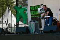 IMG_8425-kunstfehler-musik-live-westerwood-festival-open-air-heimborn-nister-altenkirchen-50-jahre-woodstock-punkrap-musiker-band-koblenz-buehne-festivalsommer-2019