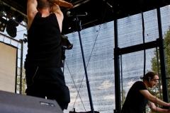 IMG_8438-kunstfehler-musik-live-westerwood-festival-open-air-heimborn-nister-altenkirchen-50-jahre-woodstock-punkrap-musiker-band-koblenz-buehne-festivalsommer-2019