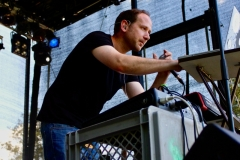 IMG_8473-kunstfehler-musik-live-westerwood-festival-open-air-heimborn-nister-altenkirchen-50-jahre-woodstock-punkrap-musiker-band-koblenz-buehne-festivalsommer-2019