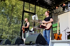 IMG_8483-kunstfehler-musik-live-westerwood-festival-open-air-heimborn-nister-altenkirchen-50-jahre-woodstock-punkrap-musiker-band-koblenz-buehne-festivalsommer-2019