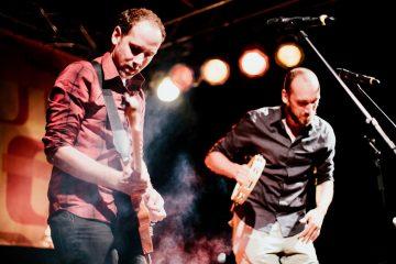 Kunstfehler-Live-Musik-Konzert-Rhein in Flammen-2018-Freiraum-Orange-Stage-Band-Duo-Alienkostüm-Rock-Rap-Rockrap-Crossover-Koblenz