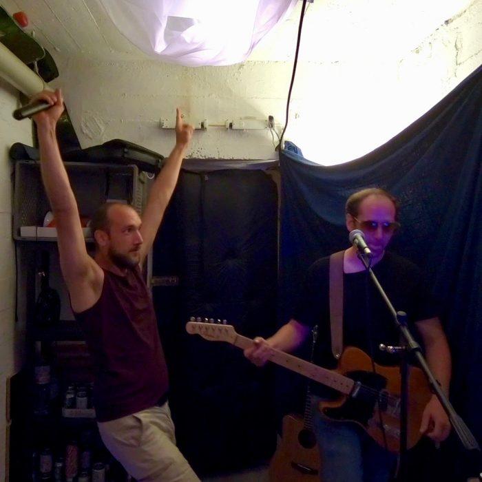Kunstfehler-Musik-Band-Duo-Koblenz-Rap-Rock-Alien-Maschinen-Probleme-Musikpolizei-Live-Konzert-Video-neue Musik-Proberaum-Bunker-kunstfehler_official-popmusik
