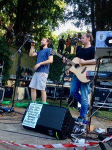 kunstfehler-musik-köln-edelweisspiratenfestival-2018-flirtgraben-friedenspark-festival-edelweisspiraten-sommer-in-der-stadt-koblenz-duo-band-alien-kostüm-maschinen-rock-rap-4