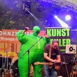 kunstfehler-musik-rhein-in-flammen-koblenz-koblenzer-sommerfest-2018-freiraum-wohnzimmer-buehne-orange-stage-freitag-deutsches-eck-band-duo-rock-rap-atze-live-konzert-sprechgesang-8