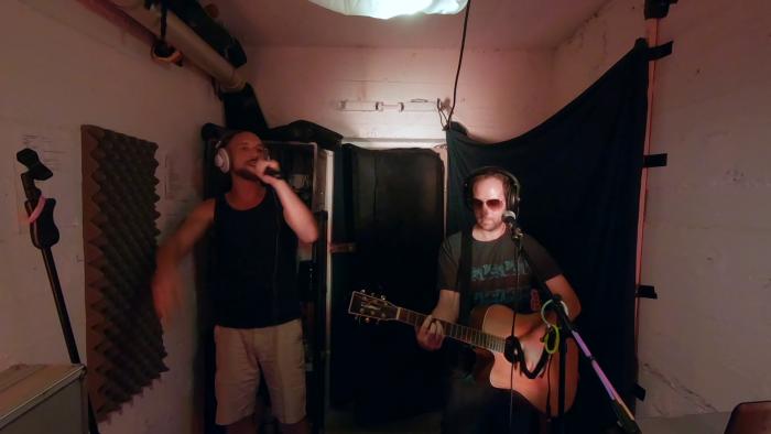 kunstfehler-sommer-in-der-stadt-musikvideo-musik-koblenz-band-duo-rock-rap-live-livemusik-livekonzert-proberaum