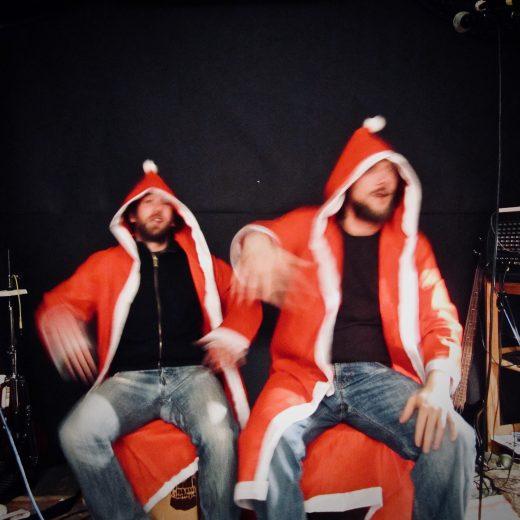 kunstfehler-musik-koblenz-rock-rap-konzert-live-indie-popmusik-pop-alternative-crossover-musiker-weihnachten-weihnachtsmannkostüm-frohes fest-frohe weihnachten-guten rutsch-2018-event